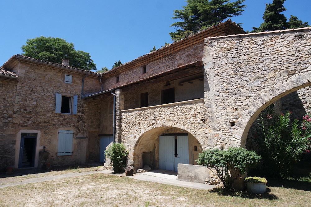 Vente grand mas proven al a renover for Mas provencal a renover